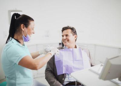 Prophylaxe bei Erwachsenen in der Zahnarztpraxis Dr. Schleicher-Hübsch