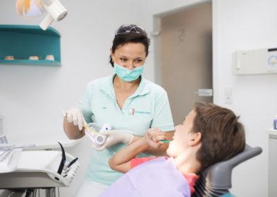 Prophylaxe bei Kindern in der Zahnarztpraxis Dr. Schleicher-Hübsch